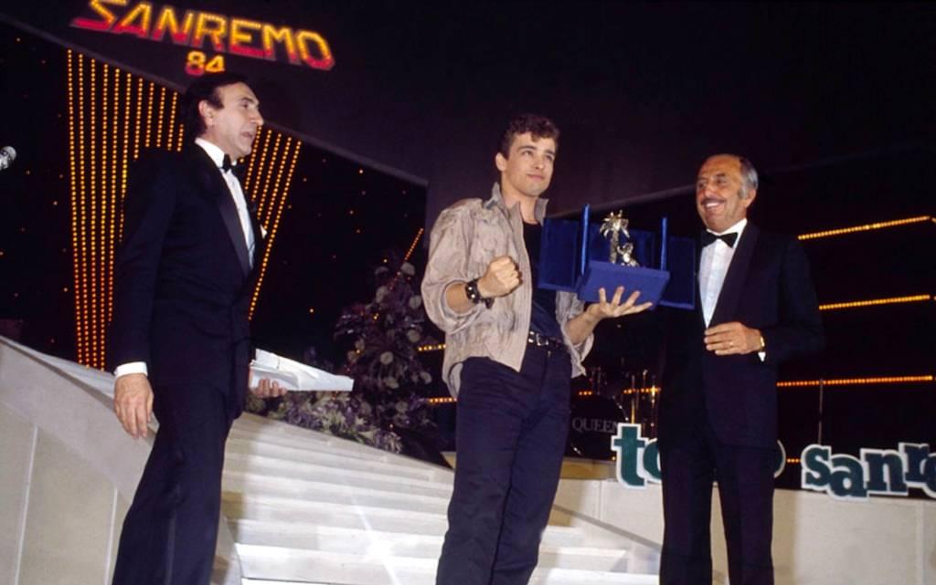 """1984 Eros Ramazzotti trionfa nelle categoria Nuove Proposte con """"Terra Promessa"""""""
