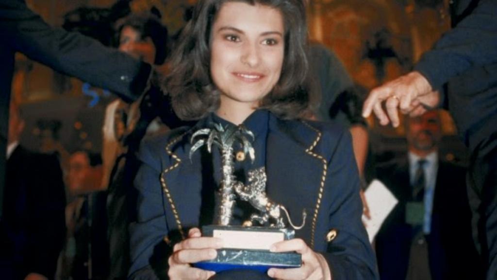 1993: una giovanissima Laura Pausini si aggiudica il primo posto nella categoria Nuove Proposte